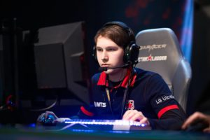 Kill me if you can! Gpk equals Yao's 8-year old Dota 2 record