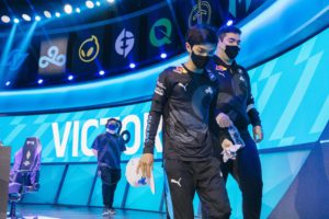 LCS Championship: Cloud9 end Evil Geniuses' year with 3-0 sweep